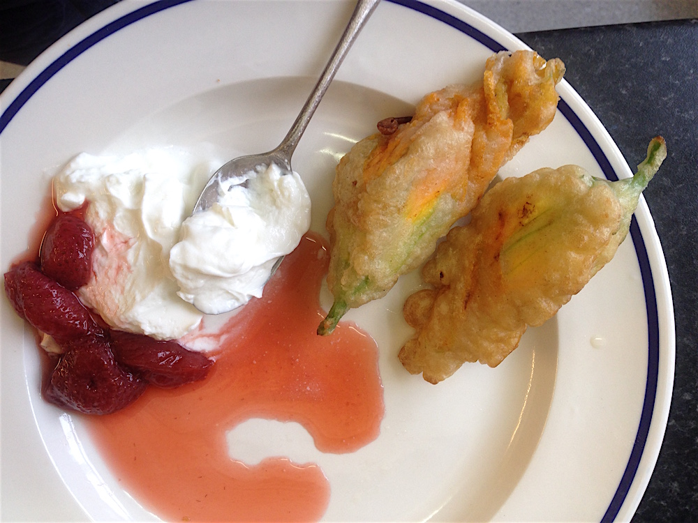 Breakfast variations fried courgette flowers with poached for Poached strawberries