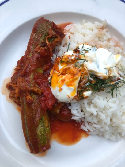 courgettes in tomato sauce and rice